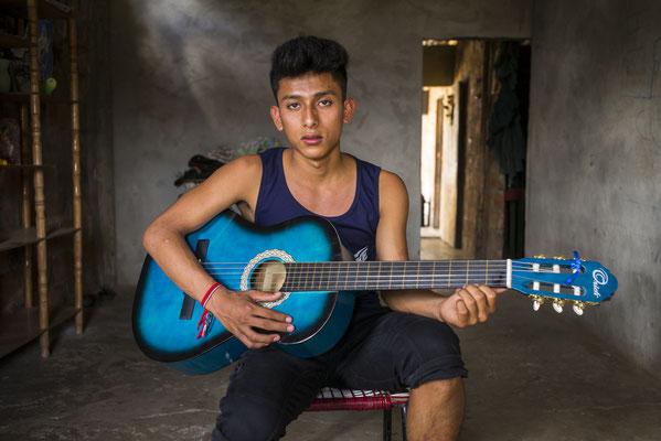 """Images adolescentes - """"Les Passeurs du réel"""" © François Struzik - simply human - Ecuador"""