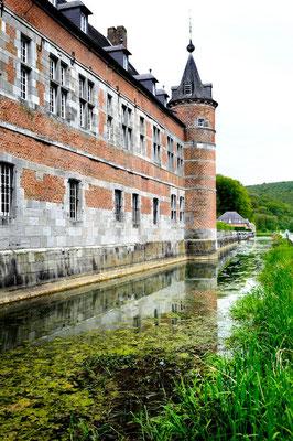 The castles of Meuse and Condroz © François Struzik - simply human 2009 - Belgium - Château de Freyr