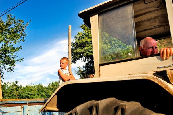 Farming in the Ardennes - © François Struzik - simply human 2010 - Hénumont - Belgium