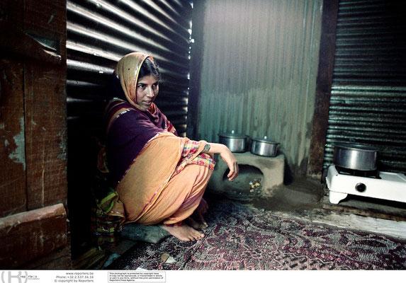 Girls education in Kashmir - (Indian Ad.) Kashmir / J&K - India © François Struzik - simply human 2006