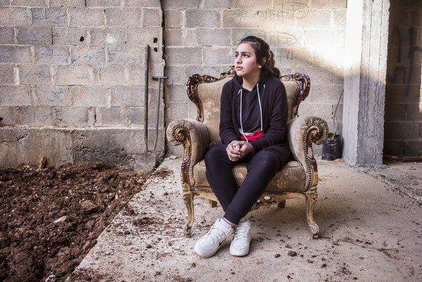 Yumna, 14 years old - The Youngsters of Aida Camp, Bethlehem, Palestine © François Struzik - simply human 2018