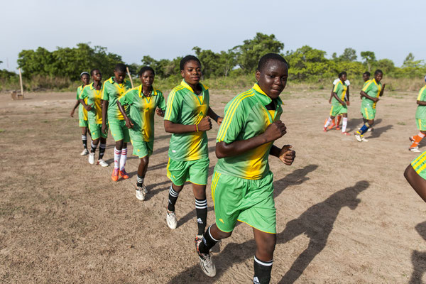 Female football team in the Atakora, supported by Plan Belgium International - Benin © François Struzik - simply human 2017