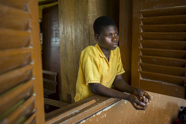Girls school dropout - Ghana © François Struzik - simply human 2018