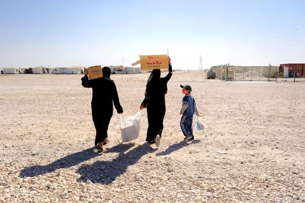 Zaatari, syrian refugees camp in the Jordanian desert - Al Mafraq - Jordan © François Struzik - simply human 2014