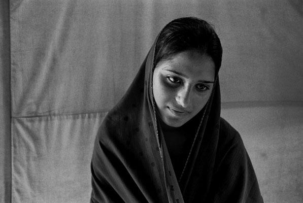 """Images adolescentes - """"Les Passeurs du réel"""" © François Struzik - simply human - Kashmir, Pak. Ad"""