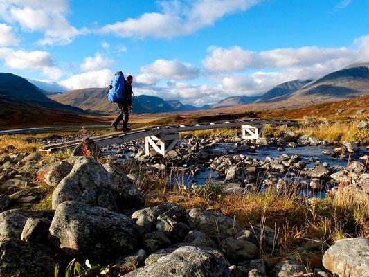 Hiking on Kungsleden- Lappland - Sweden - © François Struzik - simply human 2014 - Singi -Sälka