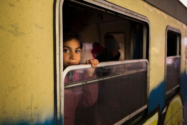 The new route of refugees in Slovenia and Croatia © François Struzik - simply human 2015 - Dabovo Railway Station, Slovenia