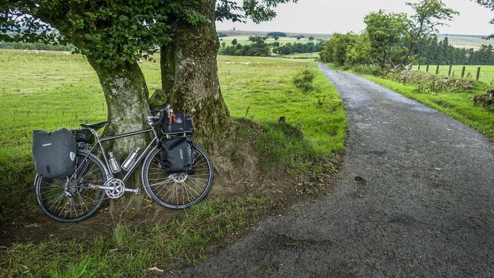 Cycling coast to coast - England, United Kingdom  © François Struzik - simply human 2018  - Northumberland