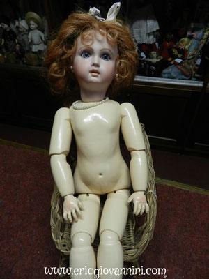Poupée contemporaine, copie poupée ancienne, restaurée