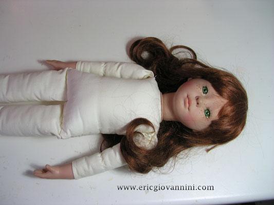 Réparation d'une poupée Corolle en plastique