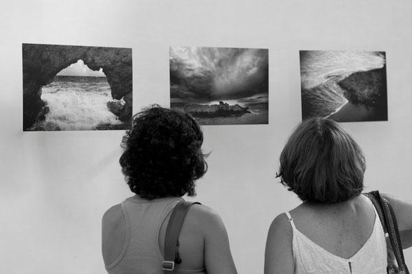 32 di 38 - Visitatori della Mostra