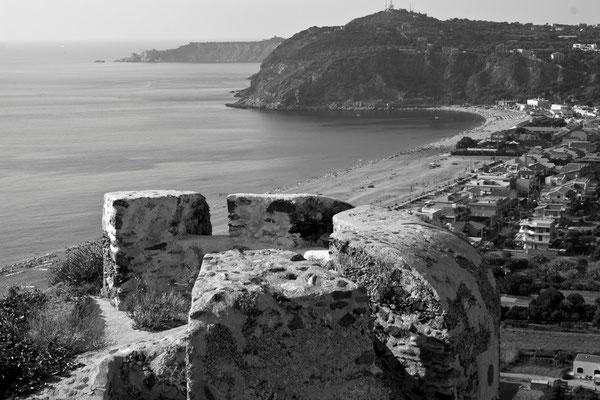 02 di 38 - Panorama di Milazzo - Veduta dal Castello
