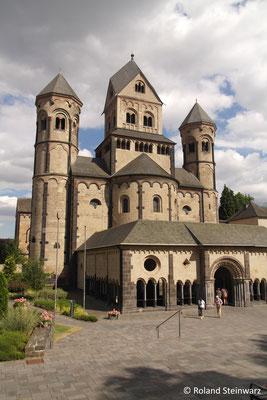 Die Kirche wurde zwischen 1093 und 1216 erbaut