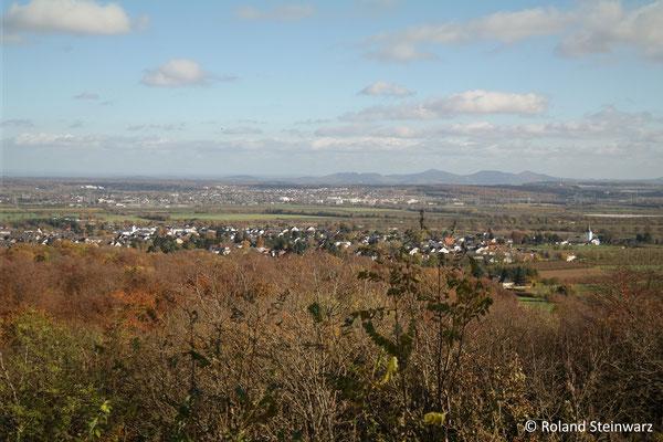 Ausblick vom Tomberg über Wormersdorf Richtung Rheintal und Siebengebirge