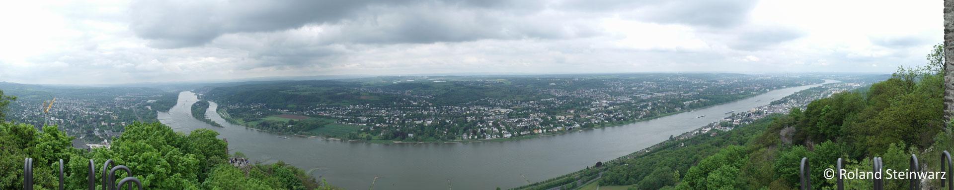 Ausblick vom Drachenfels ins Rheintal, 6 Einzelfotos