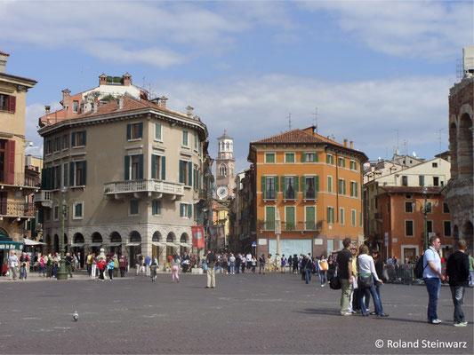 Piazza Bra an der Arena von Verone