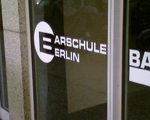 Dann ist ja klar, weshalb es so viele Arschlöcher in Erlin gibt!