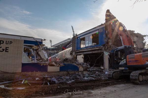 Nur noch eine Ruine - das alte Clubhaus