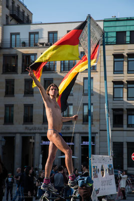 Durchgeknallter Aktivist in Berlin