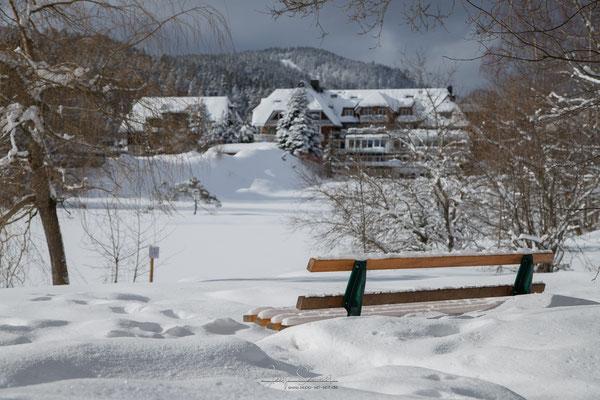 Schnee bis Unterkante Sitzfläche
