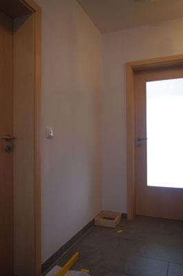 An dieser Wand soll die Garderobe aufgebaut werden.