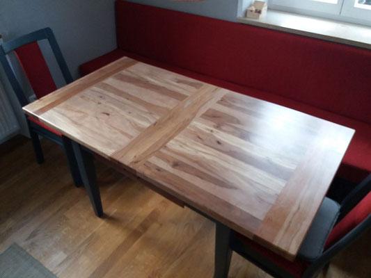 Tischplatte aus Apfel- und Birnbaum aus dem Garten des Kunden