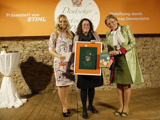 """Blanka Stolz kriegt für """"Die Philosophie des Gärtnerns"""" den Deutschen Gartenbuchpreis 2017"""