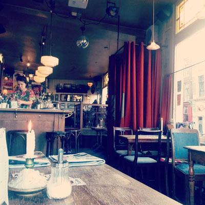 ... sehr gerne zum Beispiel im Café Langereis.