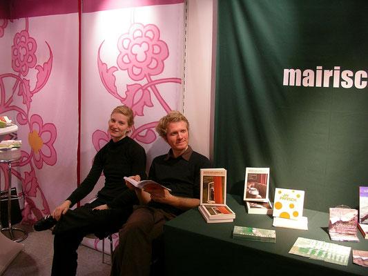 Buchmesse Frankfurt: Unser allererster Messetisch in Frankfurt.