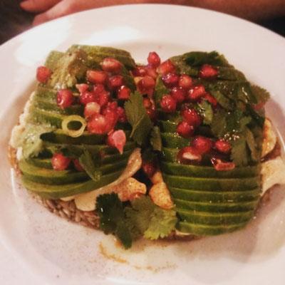Zur Abwechslung was gesundes: Avocado-Brot