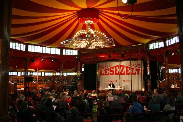 Stevan Paul im Lesezelt, Buchmesse Frankfurt 2012