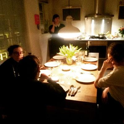 Zu Gast bei der deutschen Autorin Karen Köhler, die uns in ihre Stipendiumswohnung zum Essen eingeladen hat