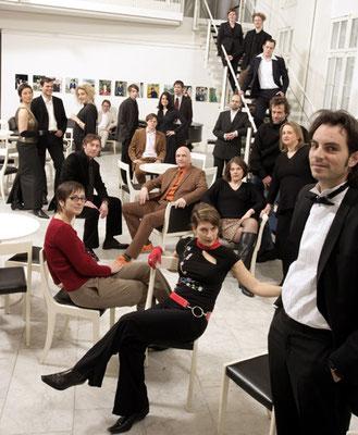 Alle Hamburger Lesereihen im offizellen Portrait im Thalia-Theater, Foto von Stefan Malzkorn