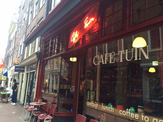 Nachmittags wird in Cafés gearbeitet
