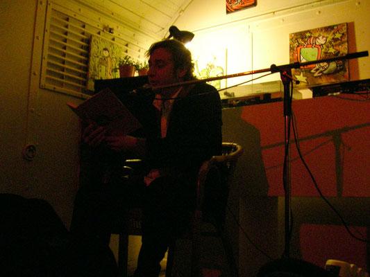 Stevan Paul liest im Bauwagen in Offenbach, Buchmesse Frankfurt 2009