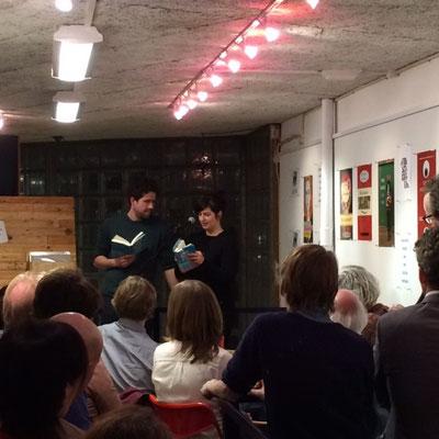 Abendprogramm: Bei der Lesung von Karen Köhler (D) und Thomas Heerma van Voss (NL)