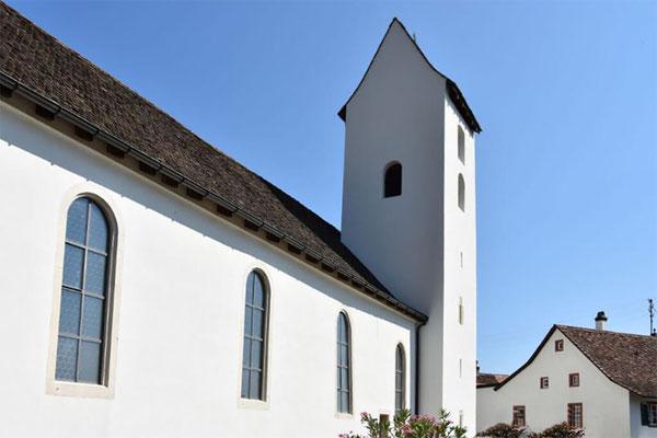 Fassadenanstrich der Kirche von St. Pantaleon