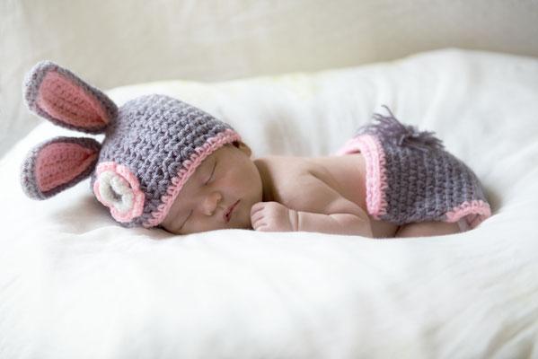新生児(ニューボーン)撮影。小物、背景、は少しづつ増えてます。※まずはご相談下さい。