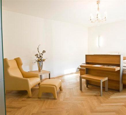 Unser Zimmer sieben erscheint in hellen Farben © Kastner new media
