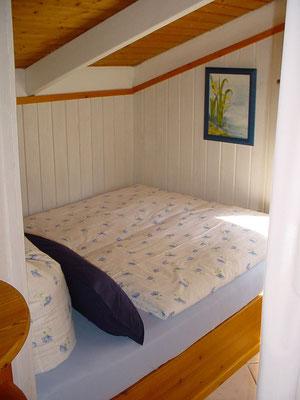 Alkoven mit kleinem Doppelbett