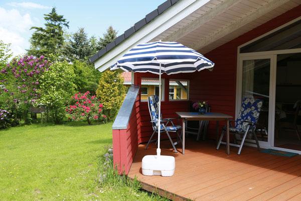 Geschützte, sonnige Terrasse