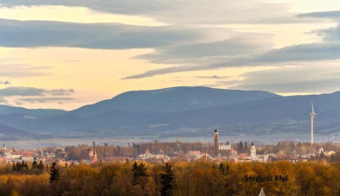 Patschkau Panorama mit Reichensteiner Gebirge, Foto: Sergius Kłyś