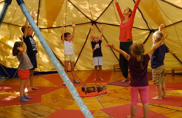Yoga pour enfants au Centre de Yoga Viveka