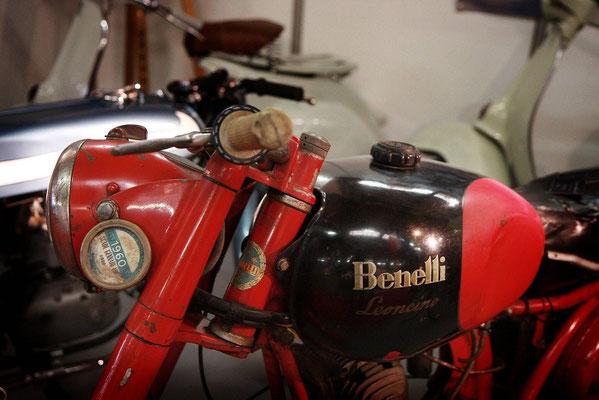 Benelli Leoncino 125.