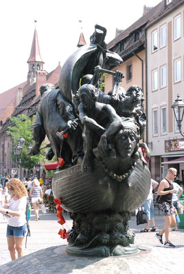 Une des nombreuses sculptures qui ornent le Centre Ville