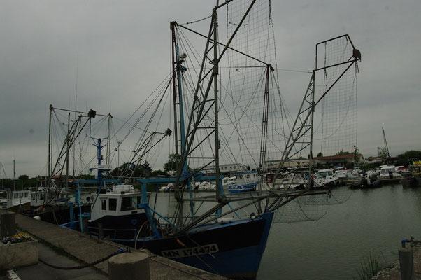 Curieux navire de pêche...