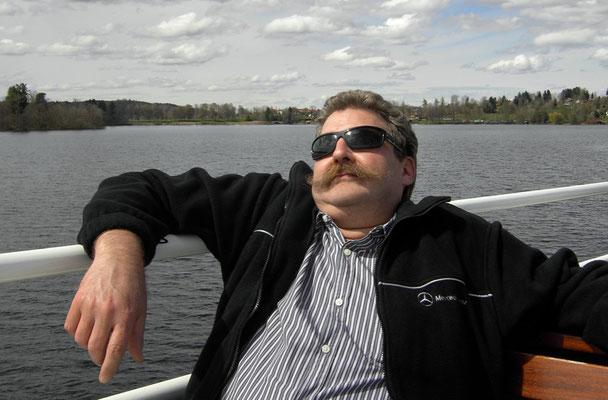 """(Staffelsee - 2012) ... sind auch immer für eine kleine Bootsfahrt zu begeistern und können dabei richtig gut """"chillen""""..."""