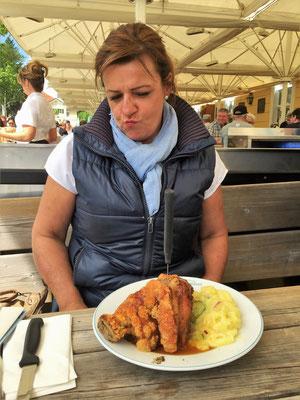 (Alpenvorland-Teil 1 - 2018) ...können kulinarischen Herausforderungen nur schlecht widerstehen...