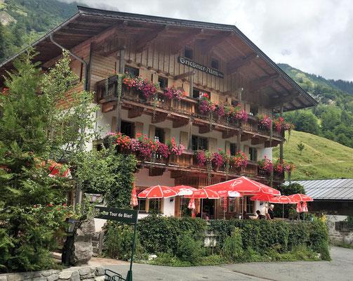 Mittagspause in der Griesneralm im Kaiserbachtal