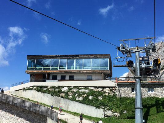 Die Dantercepies Mountain Lounge auf 2300 Metern Höhe...